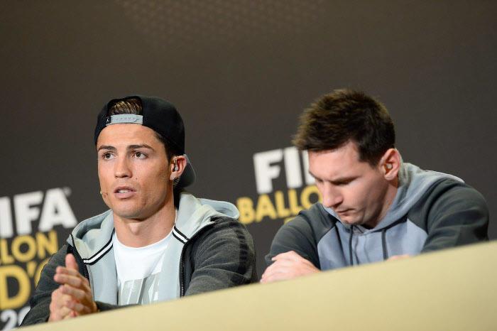 Messi insulté par Cristiano Ronaldo ? La presse catalane s'acharne sur CR7 !