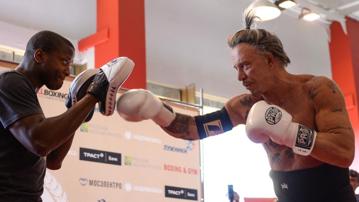 Boxe : Un célèbre acteur américain va défier un boxeur professionnel !
