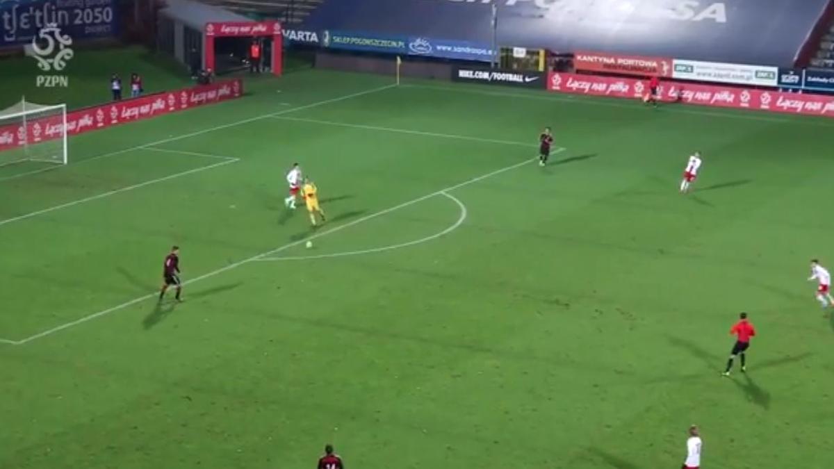 Un gardien ridiculise un attaquant (vidéo)