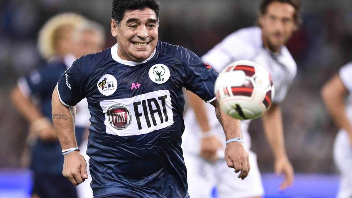 Rugby : Quand l'entraîneur du Stade Français imagine Maradona en demi de mêlée...