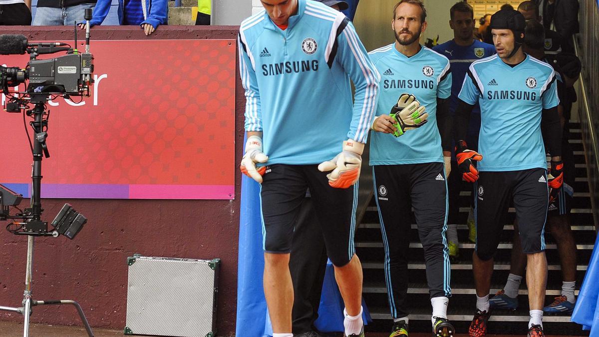Mercato - Chelsea/PSG/Arsenal : Cette voix qui confirme que Cech serait malheureux...