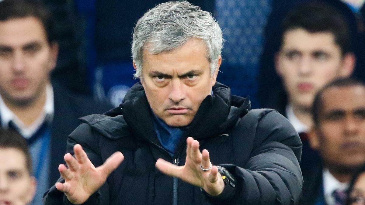 Chelsea : Sorti de la Cup par une D3, Mourinho dézingue ses joueurs