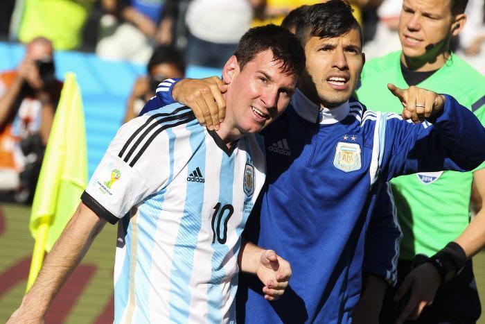 Agüero va passer à l'attaque pour attirer Messi à Manchester City