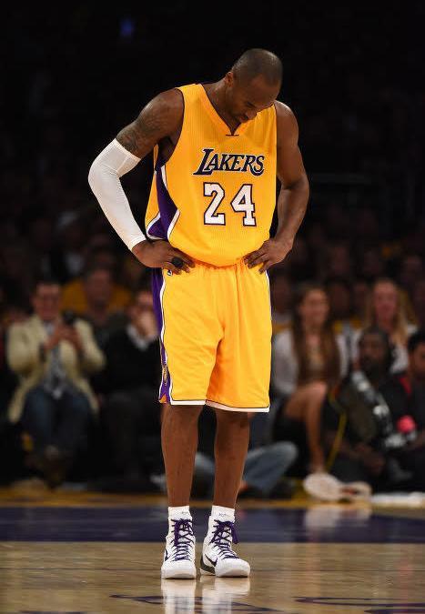 Kobe Bryant pasa content ave les Lakers