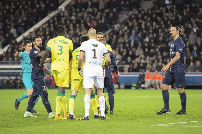 Arbitrage, Laurent Blanc… Le gros coup de gueule de Pierre Ménès contre le PSG-bashing