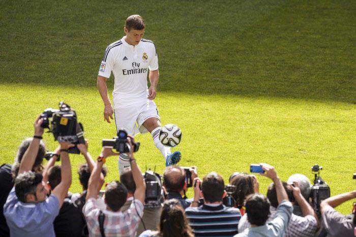 Mercato - Real Madrid/Barcelone : Cette confidence de Florentino Pérez sur Toni Kroos et le Barça…