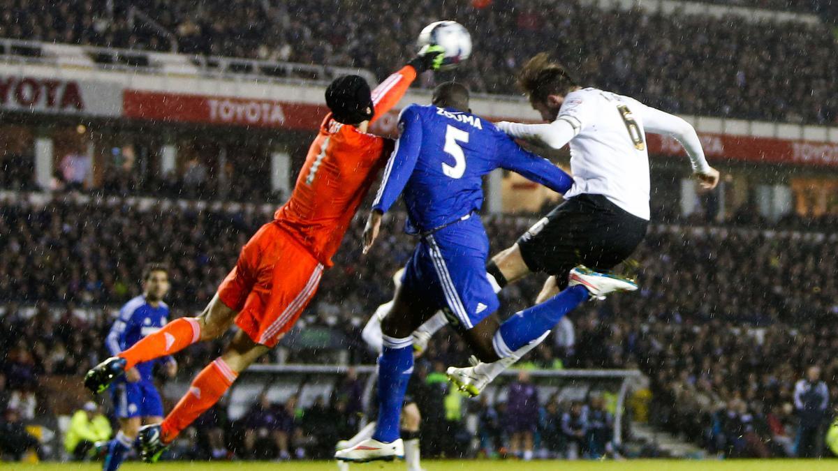 Mercato - Chelsea : Ce que Mourinho aurait l'intention de faire de Zouma...