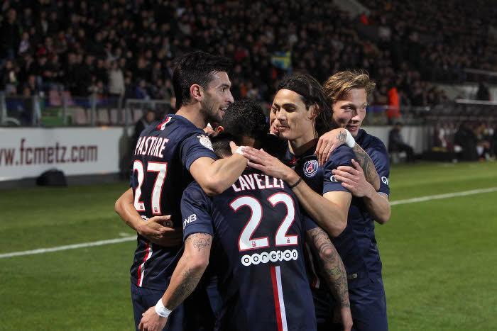 Pierre Ménès se sert d'Ibrahimovic pour critiquer Cavani, Lavezzi et Pastore