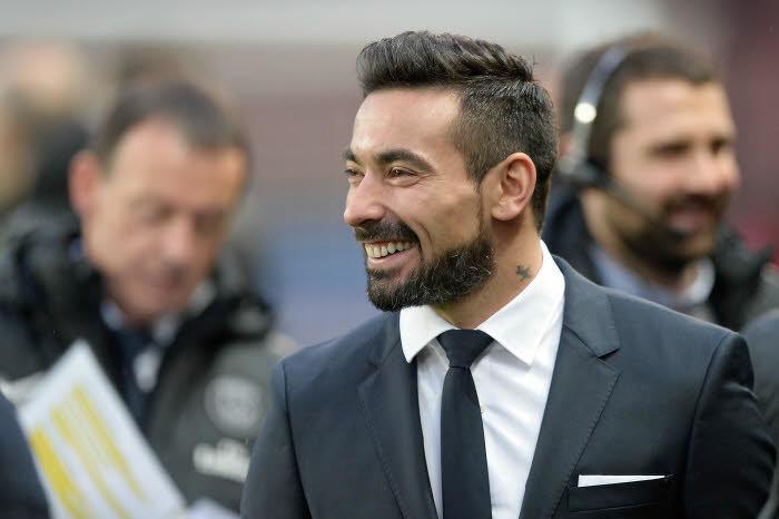 Mercato - PSG : Pierre Ménès dévoile la sanction qu'il infligerait à Lavezzi !