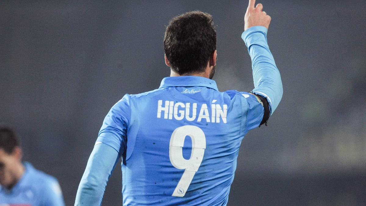 PSG : Ibrahimovic, Higuain, Cavani, ces révélations sur le mercato du PSG