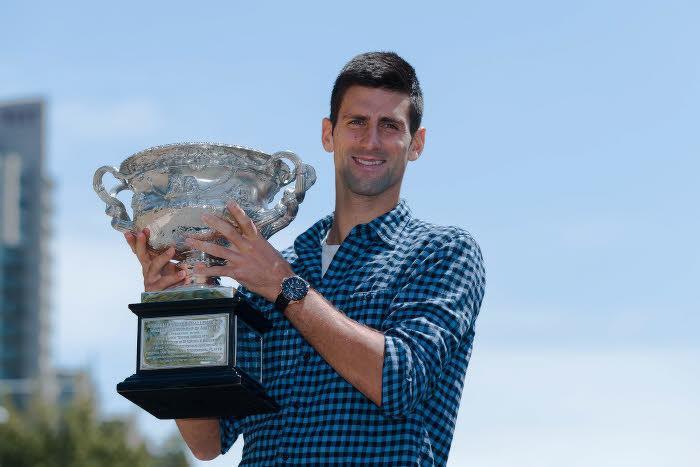 Tennis : Quand Novak Djokovic habille ses chiens pour aller jouer dans la neige?