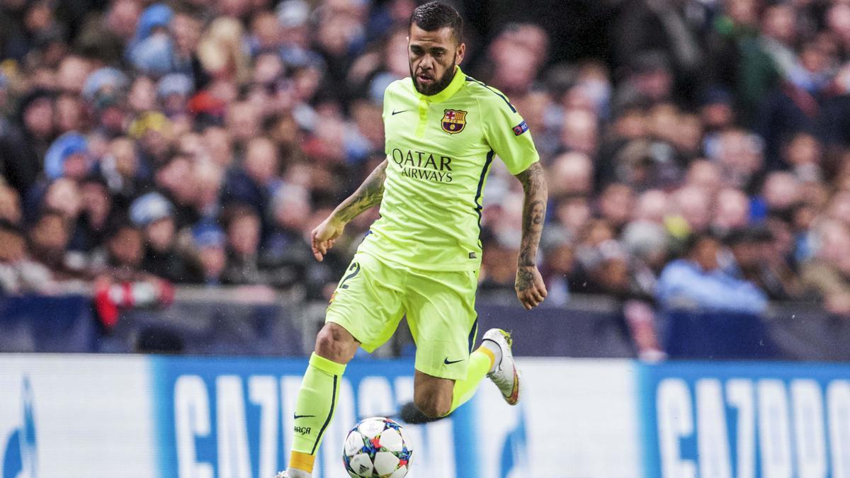 Mercato - Barcelone : Daniel Alves entretient le doute sur son avenir !