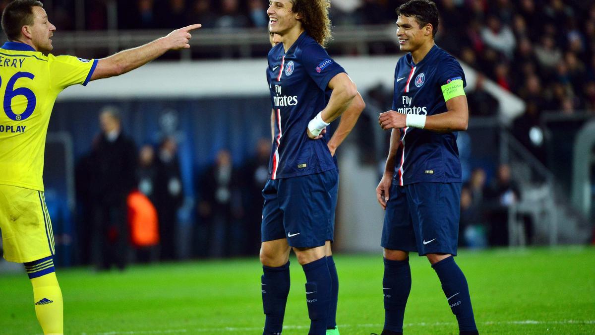 Quand Pierre Ménès ironise sur Thiago Silva et David Luiz