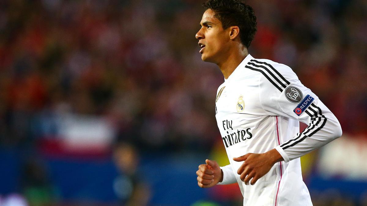 Mercato - Real Madrid/Chelsea : José Mourinho ne lâcherait pas Raphaël Varane !