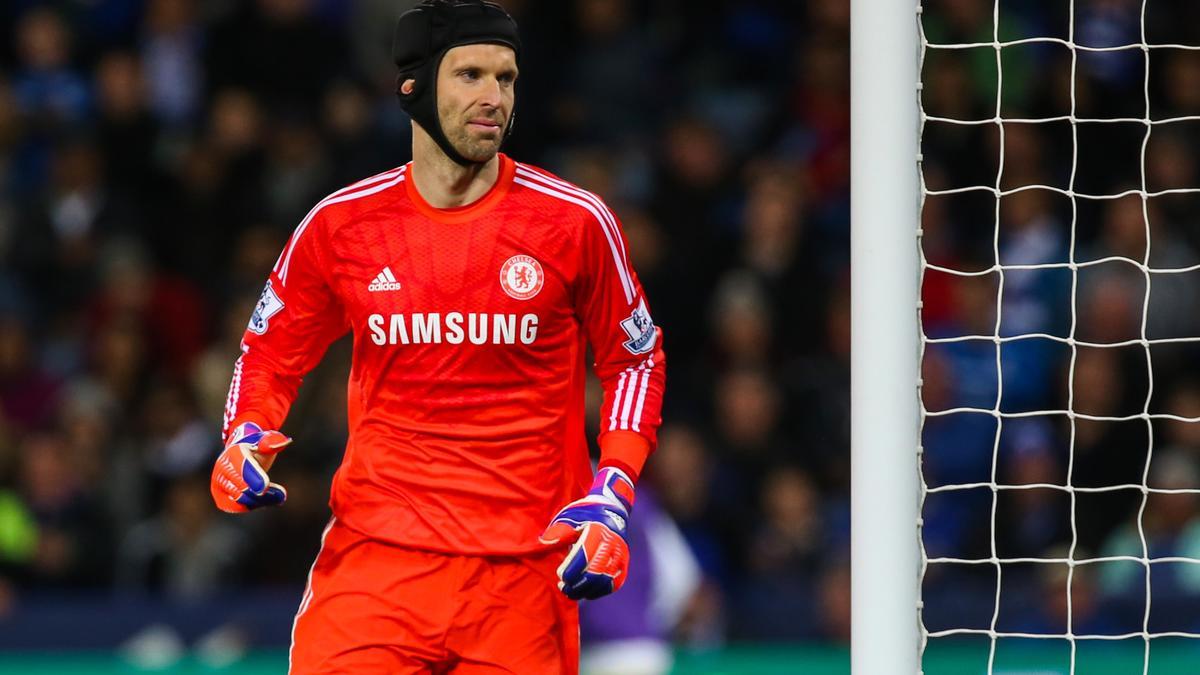 Mercato - Chelsea : José Mourinho rend hommage à Petr Cech après son départ à Arsenal !