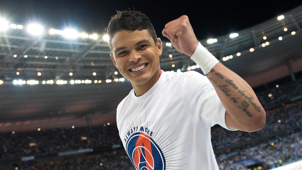 Mercato - PSG : Ce club qui pourrait s'offrir Thiago Silva en 2016 !