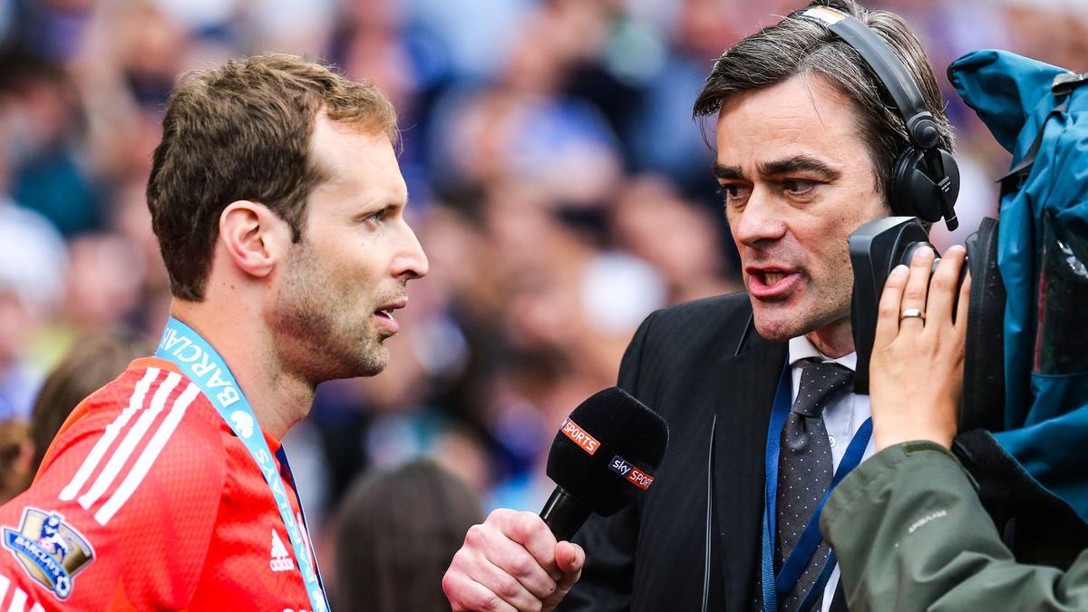 Vers un duel entre le PSG et Arsenal pour Cech