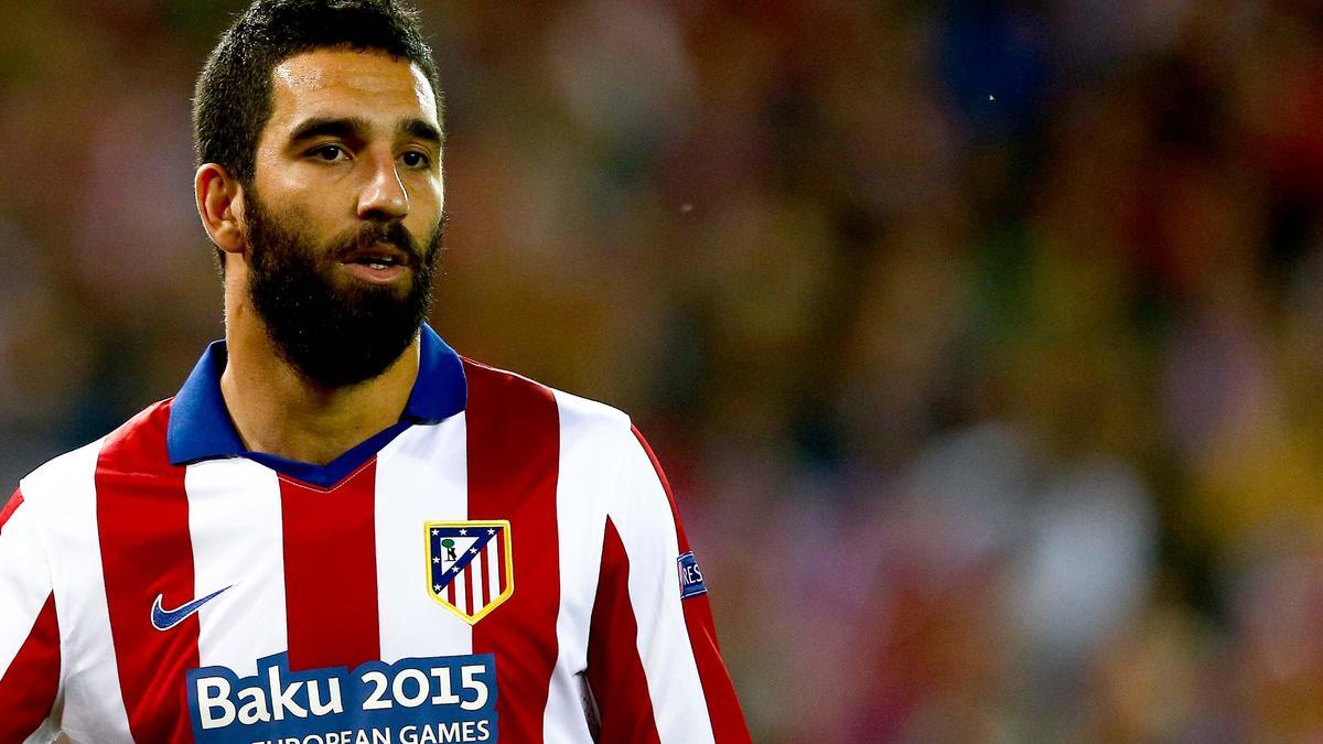 Mercato - PSG/Barcelone : La nouvelle mise au point d'Arda Turan !