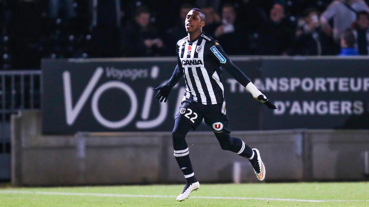 EXCLU Mercato - Rennes : Négociations pour Kodjia (Angers) et Okaka (Sampdoria)