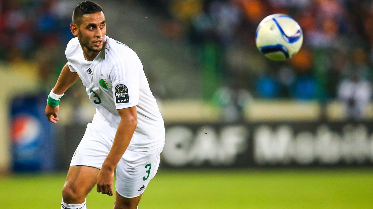 Mercato - PSG : Un ancien de l'ASSE pour remplacer Lucas Digne ?