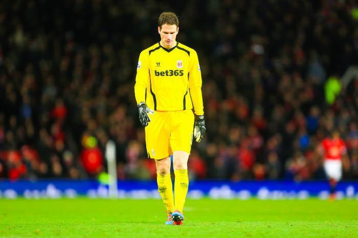 Mercato - Chelsea : Mourinho pourrait accélérer pour le successeur de Petr Cech !