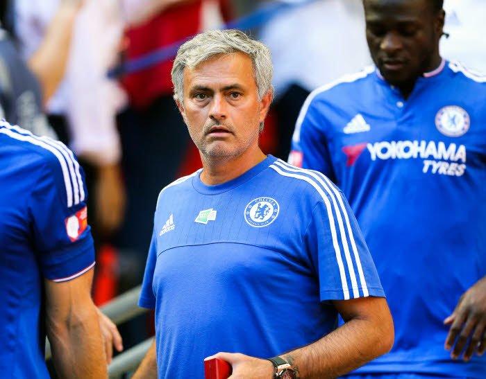 Chelsea : Une offensive de José Mourinho à 42M€ pour un défenseur