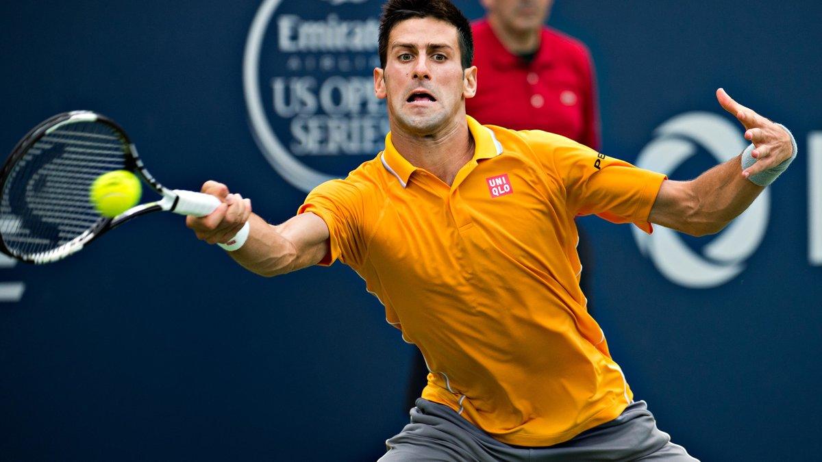 Tennis : Djokovic f�licite Federer apr�s sa victoire !
