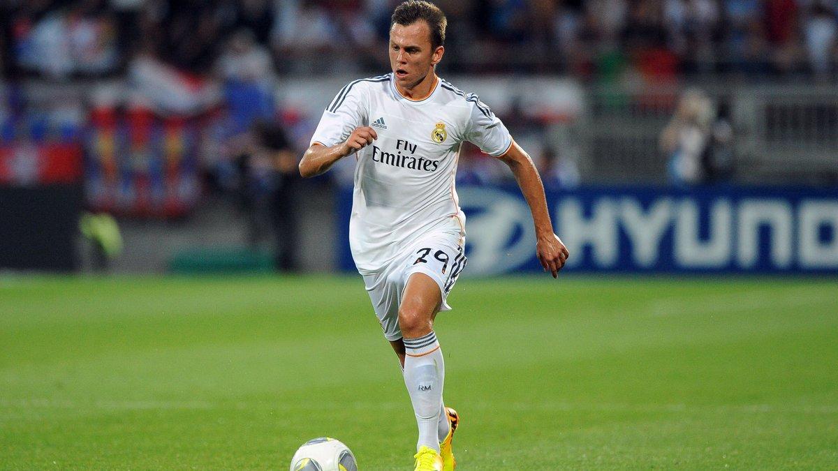 Mercato - Real Madrid : Ce joueur qui évoque sa clause de 200M€ !