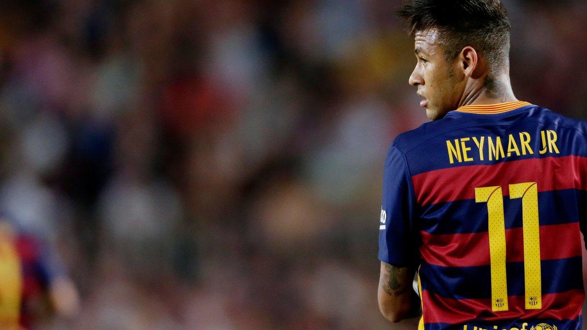 Buzz barcelone insolite quand neymar fait le buzz for Coupe de cheveux de neymar 2014
