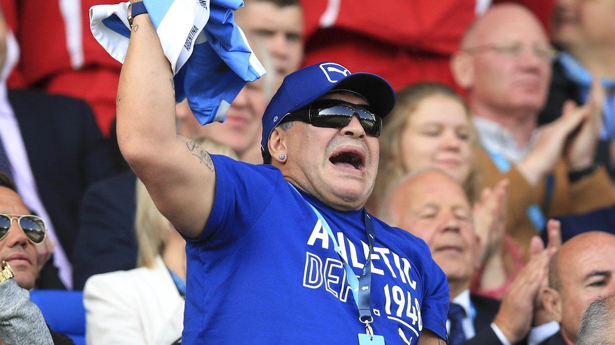 Rugby - Coupe du monde : Quand Maradona fête la victoire des Argentins dans le vestiaire !
