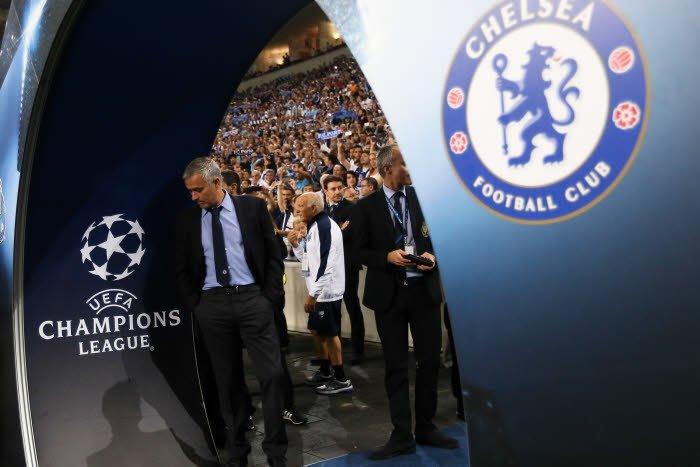 Mercato - Chelsea : Mourinho aurait-il pu signer à Manchester United ? Il répond !