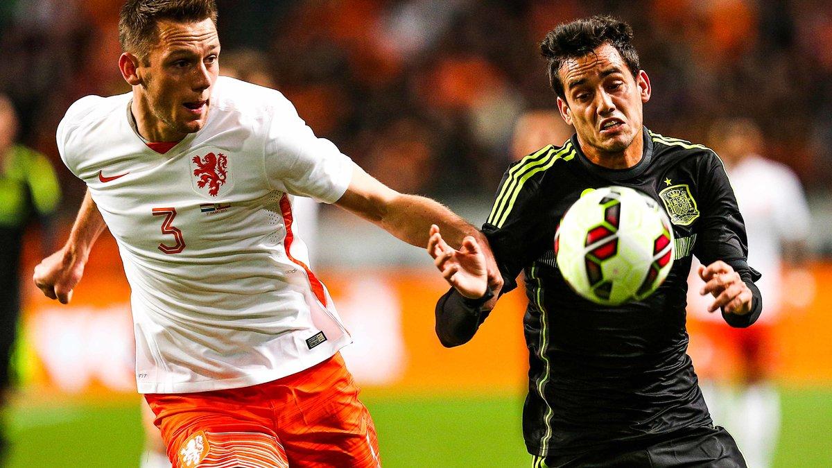 Mercato - Manchester United : Ce joueur qui répond à l'intérêt de Van Gaal !