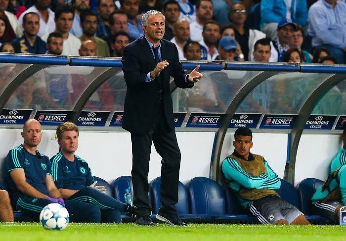 Chelsea : Mourinho critiqu� par une l�gende du Bar�a