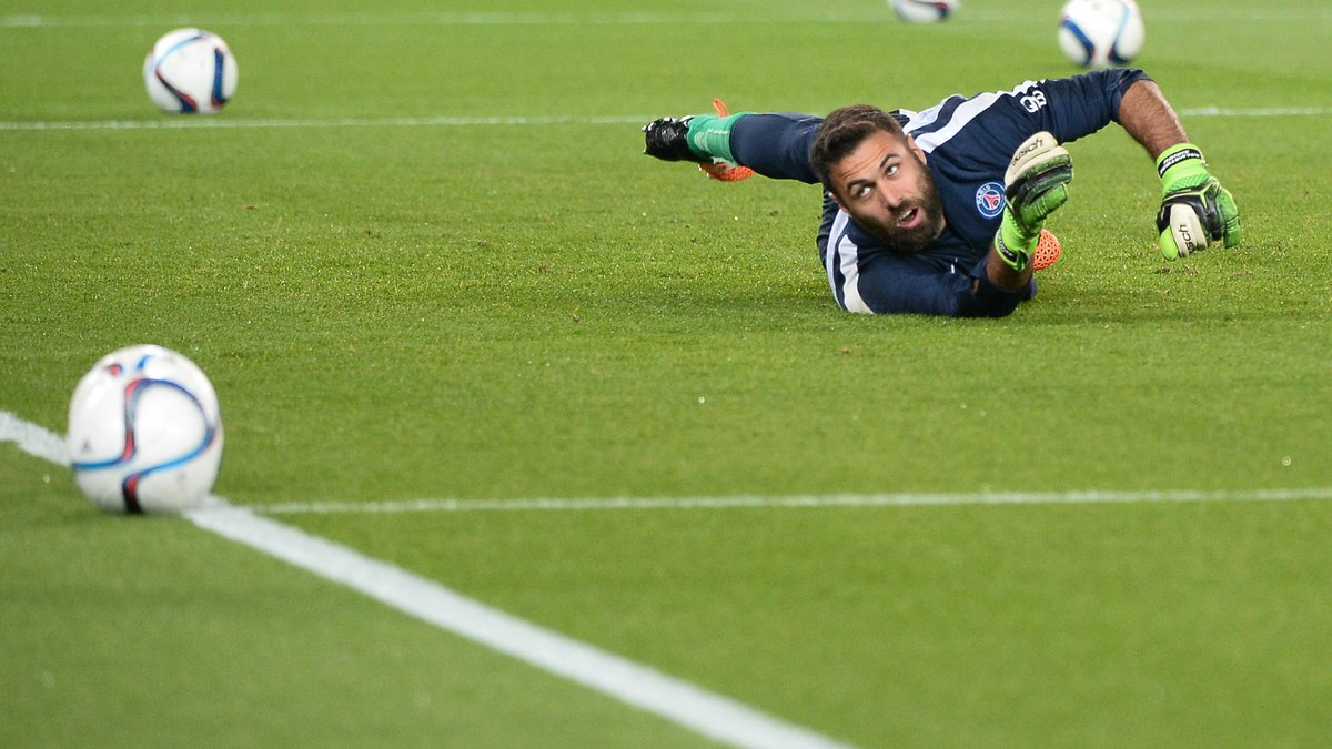 PSG : Le message fort de Laurent Blanc à Salvatore Sirigu