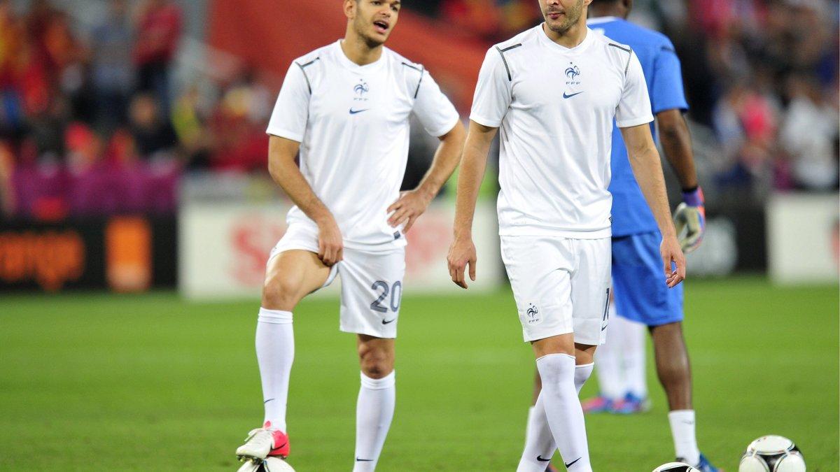 Hatem Ben Arfa monte au créneau pour Karim Benzema