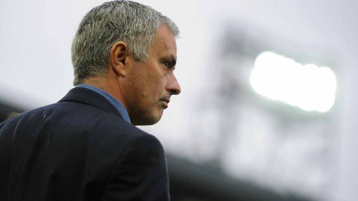 Malaise : Un ancien arbitre torpille José Mourinho