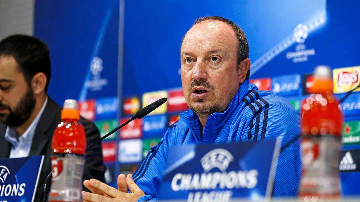 Benitez imite les chuchotements de Cristiano Ronaldo à Laurent Blanc