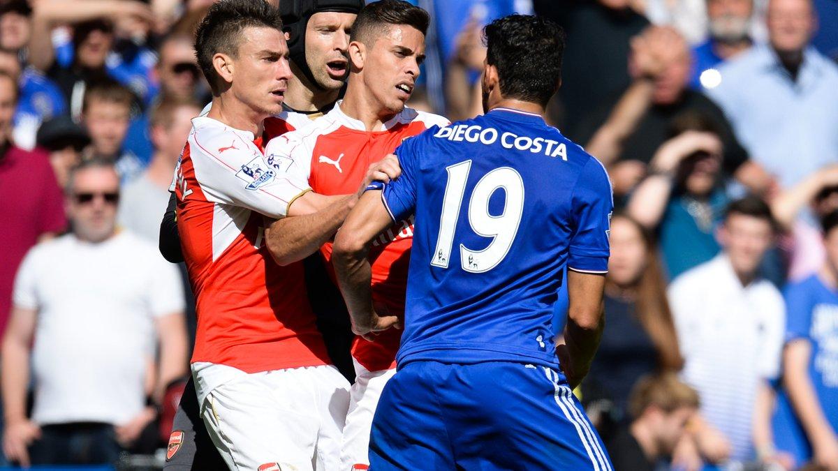 Quand un joueur de Wenger utilise Luis Suarez pour tacler Diego Costa