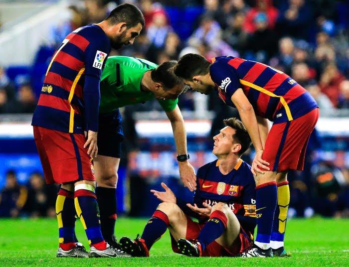 Barcelone : Petit, mauvais… Daniel Riolo commente l'échange improbable entre Messi et un adversaire