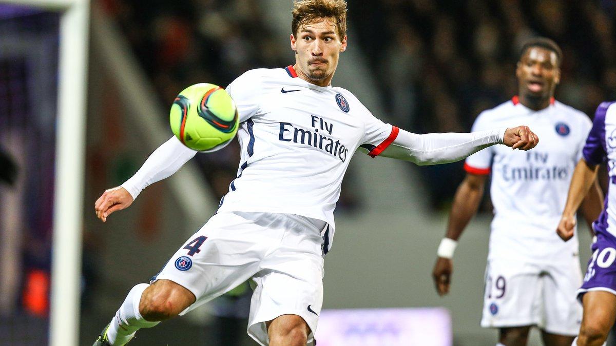 PSG : Laurent Blanc monte au créneau pour Benjamin Stambouli