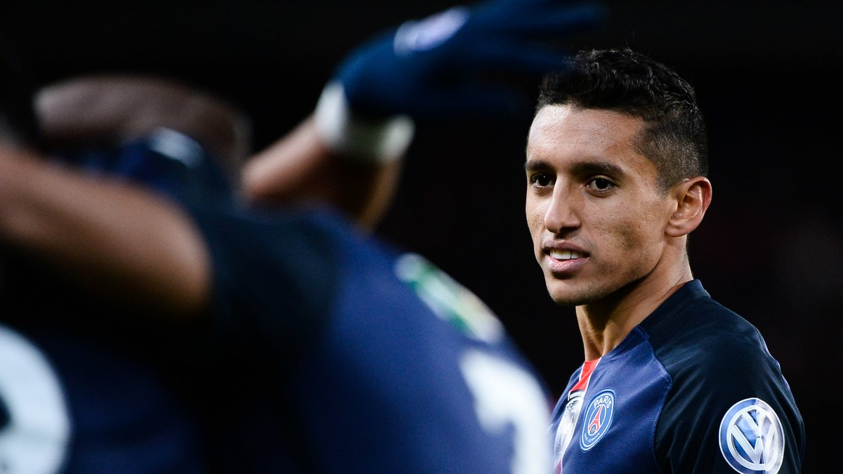 PSG : Marquinhos, Van der Wiel… Laurent Blanc annonce «une surprise» pour succéder à Serge Aurier