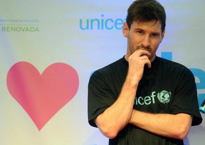 Insolite : Quand Messi fait un cadeau à un enfant afghan