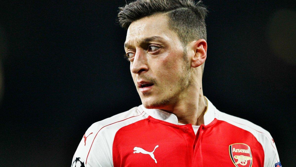 Mesut Özil dévoile sa future destination à ses coéquipiers — Arsenal