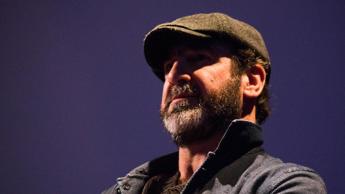 Cantona se paie Deschamps