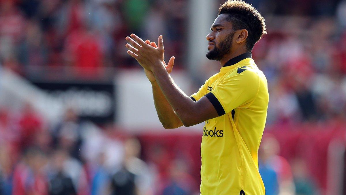 Jordan Amavi ouvre la porte à Marseille — Aston Villa