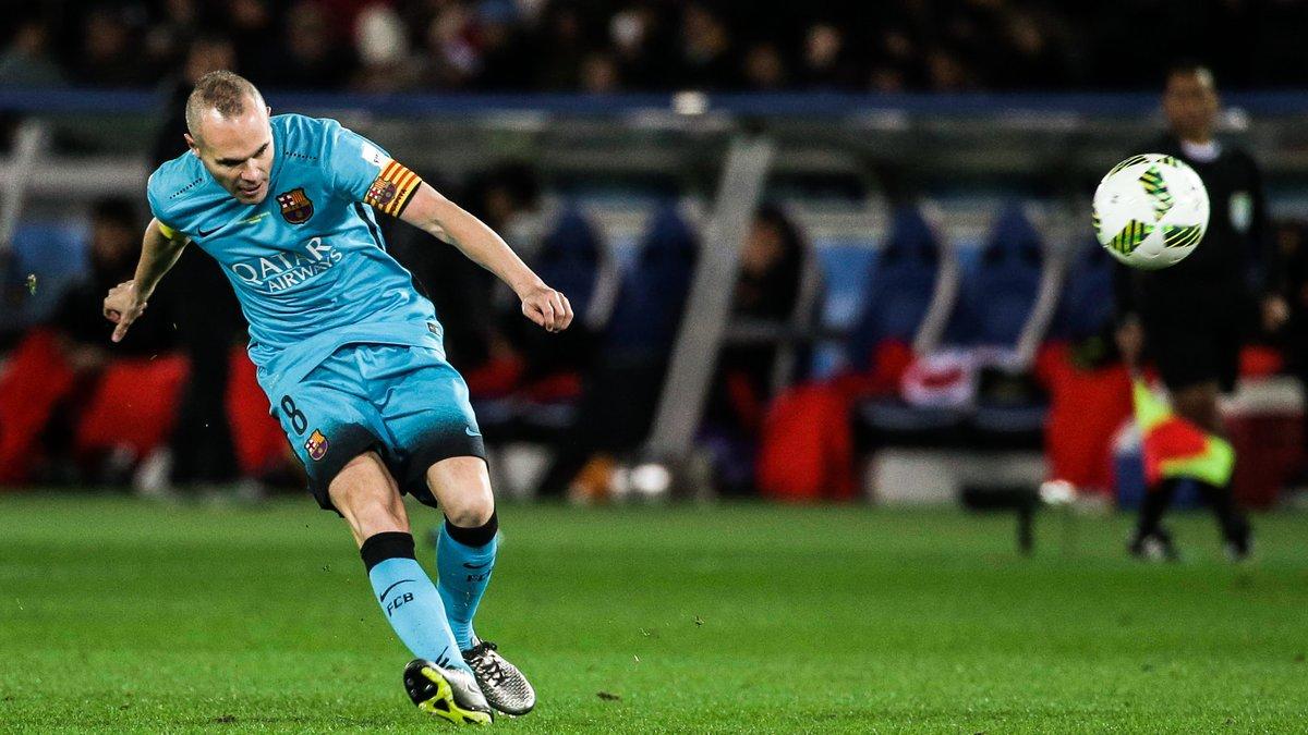 Barcelone : Iniesta pousse un coup de gueule pour défendre Messi et Suarez