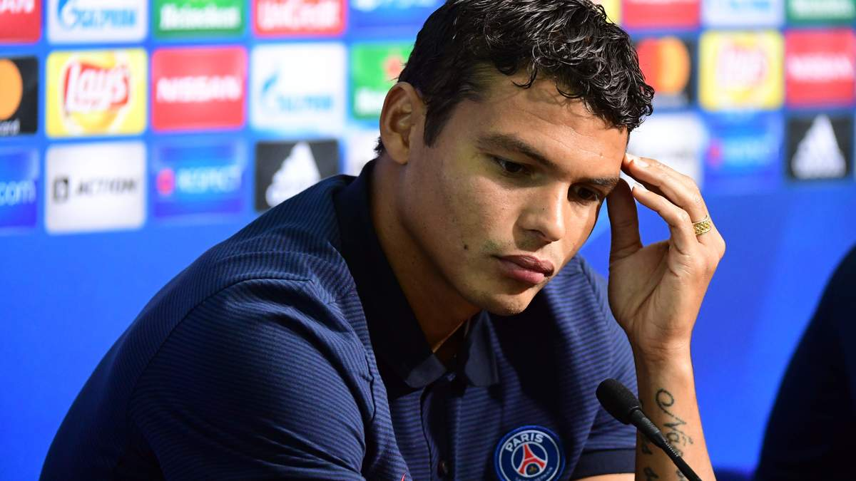 PSG - Malaise : Une taupe dans le vestiaire ? Le coup de gueule de Thiago Silva !