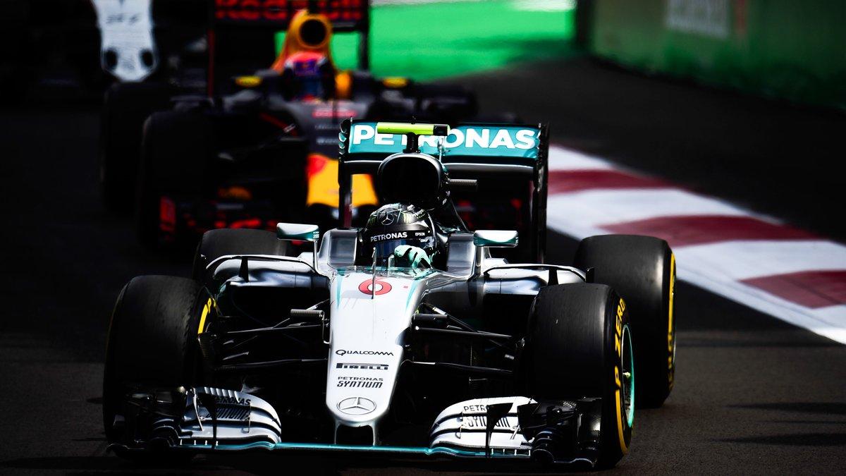Verstappen pensait pouvoir s'intercaler entre les Mercedes sur la grille