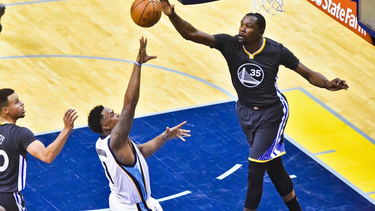 NBA - Golden State frappe fort d'entrée