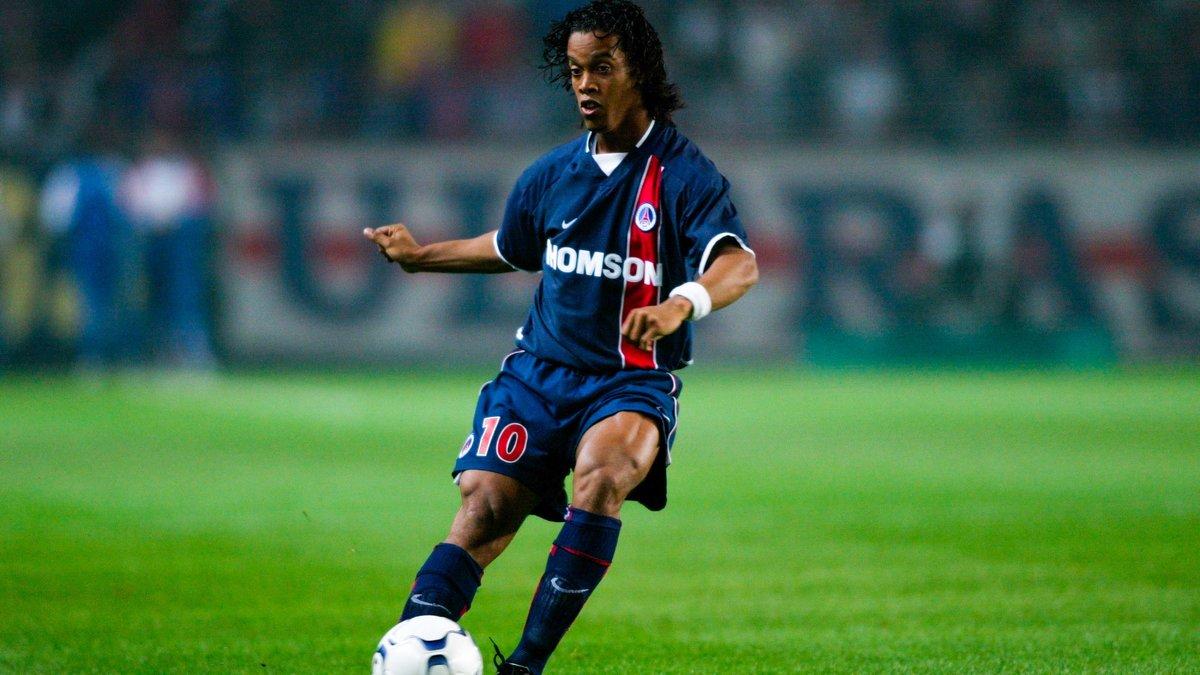 Ronaldinho détruit Luis Fernandez — PSG